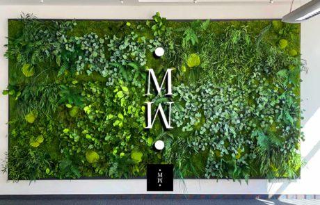 Dschungelmooswand mit Logo MoosMoos in Dresden